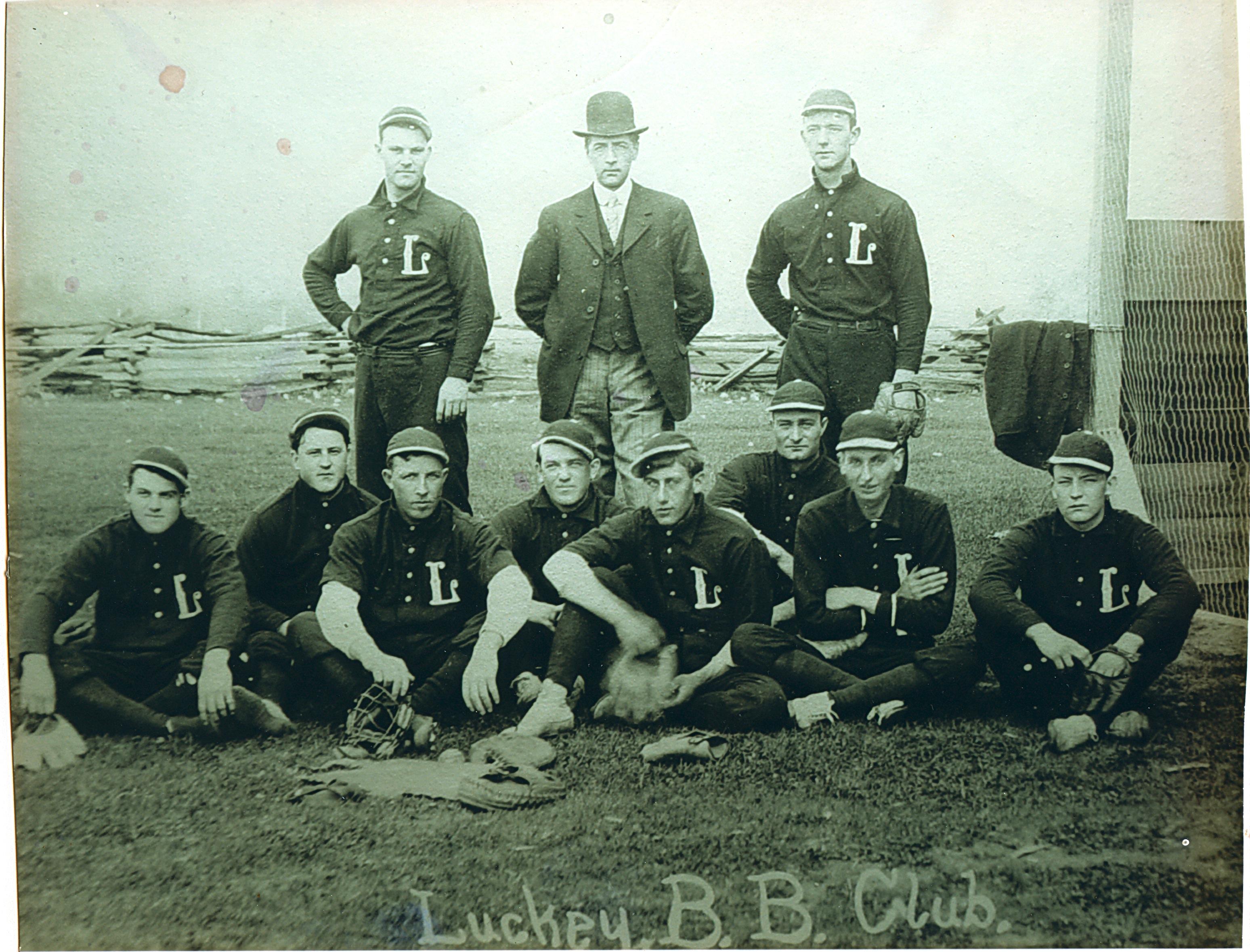 LUCKEY BASEBALL 1909?
