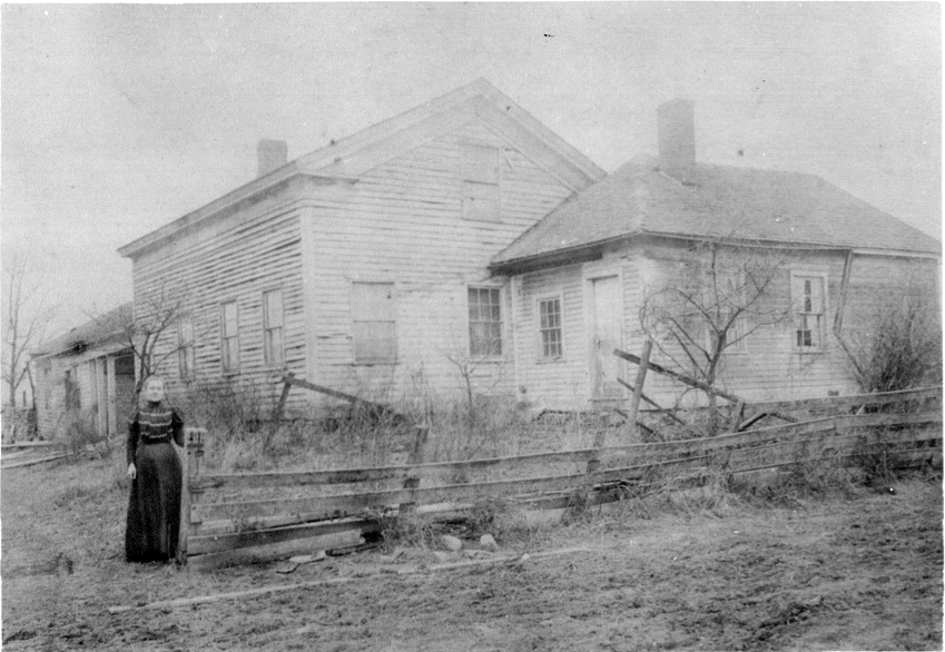 Winefred Blecke in front of the Hopper Mansion
